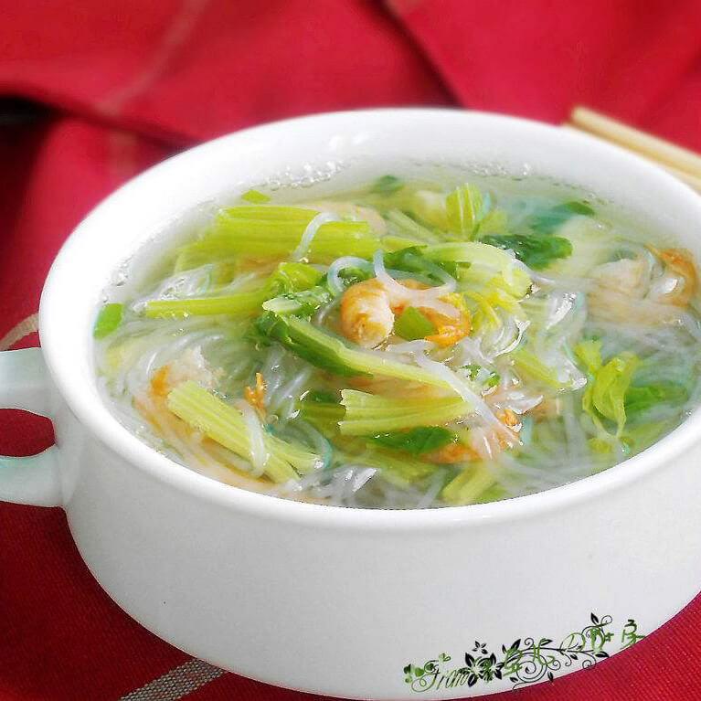 妈妈做的芹菜鱼滑汤