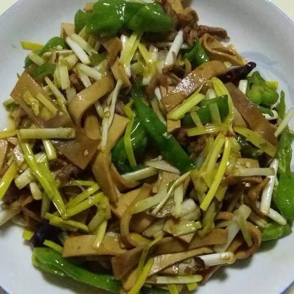 素炒韭黄豆腐皮