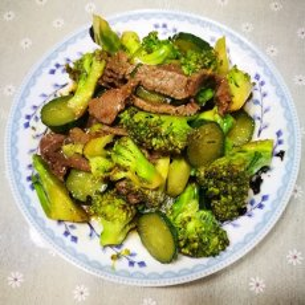 (懒人版)花菜焖牛肉