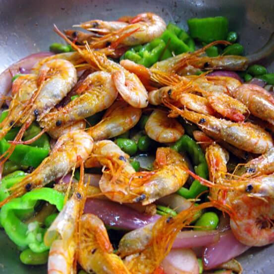 辣椒洋葱毛豆炒虾