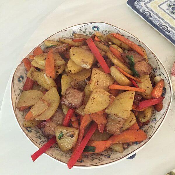 干锅土豆五花肉片