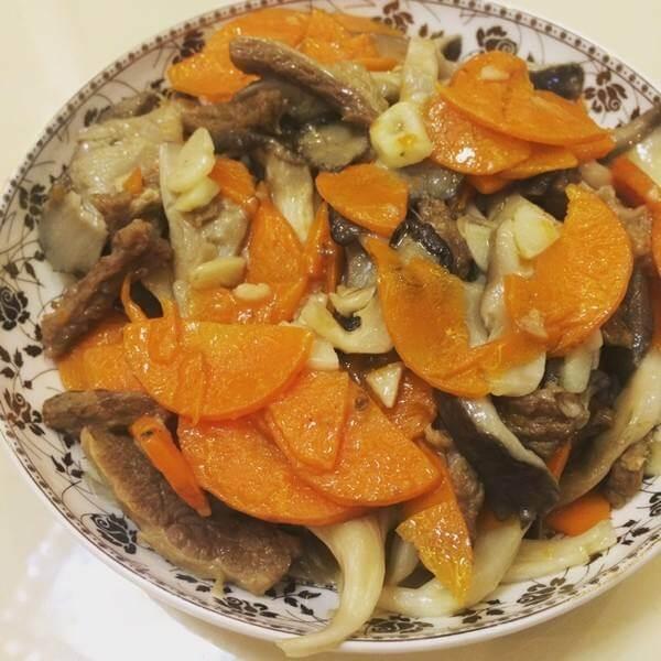 美美厨房之里脊鲜蘑白菜片