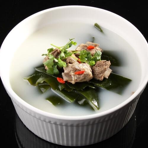 营养丰富的海带冬瓜排骨汤