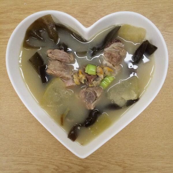 南瓜海带瘦肉汤