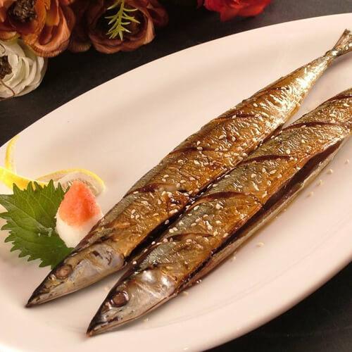 烧烤秋刀鱼