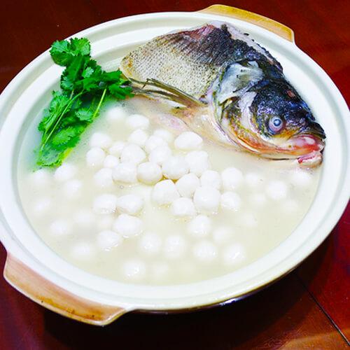在家做的粉皮鲢鱼头砂锅煲