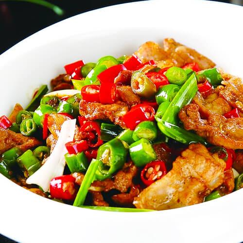 美食芹菜炒肉的做法
