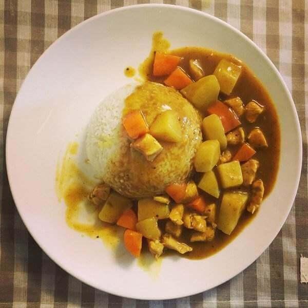 美味咖喱鸡肉饭