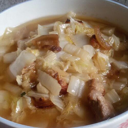 下饭的白菜炖肉的做法