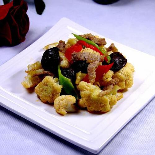 卤肉炒菜花