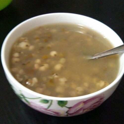 常吃不腻的薏米绿豆粥