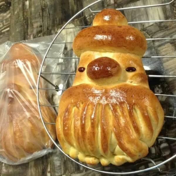 可爱的圣诞老人面包
