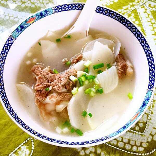黑山羊白萝卜汤