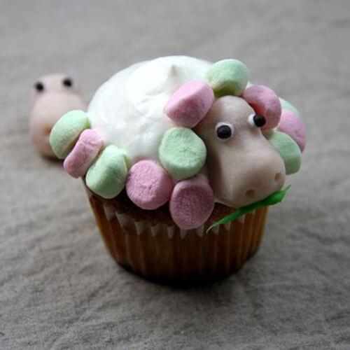 棉花糖小羊蛋糕