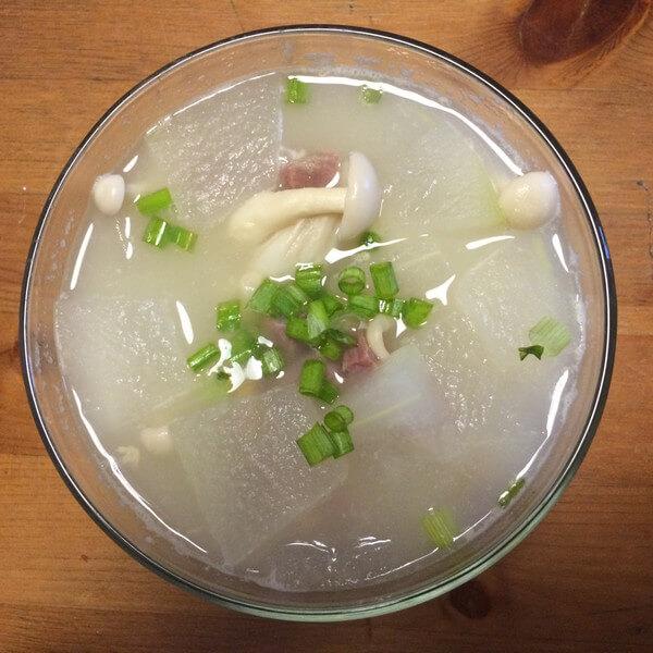 热天补充能量 咸肉冬瓜汤
