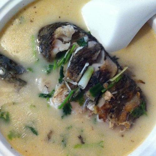 简单的清炖鲫鱼汤的做法