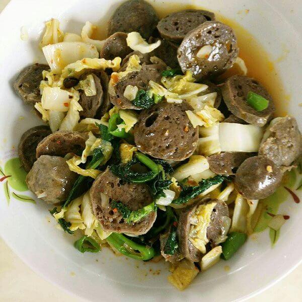 芹菜牛肉丸炒豆子