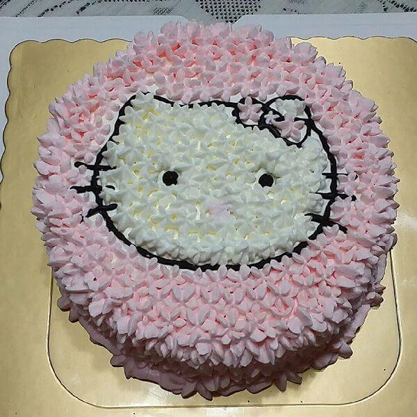 彩色Kitty蛋糕