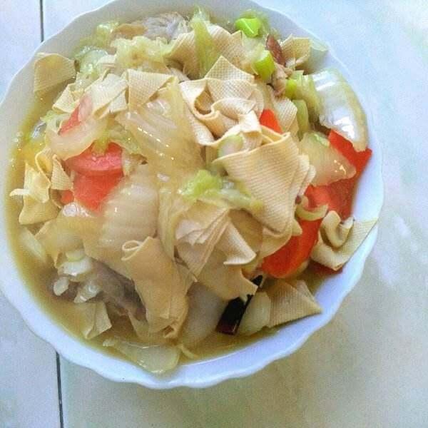 美味的大白菜炖干豆腐
