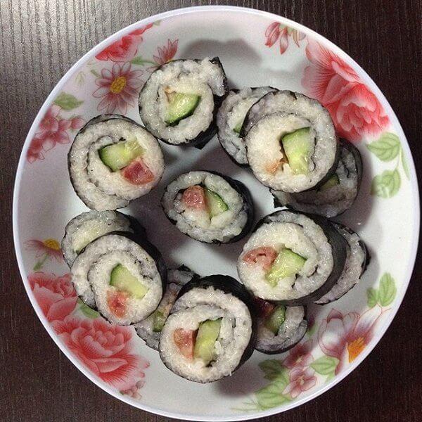 可口美味的寿司的做法