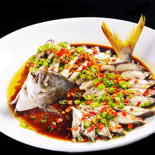营养丰富的清蒸金鲳鱼