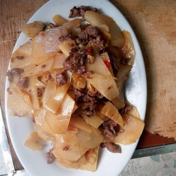 葱香笋炒瘦肉