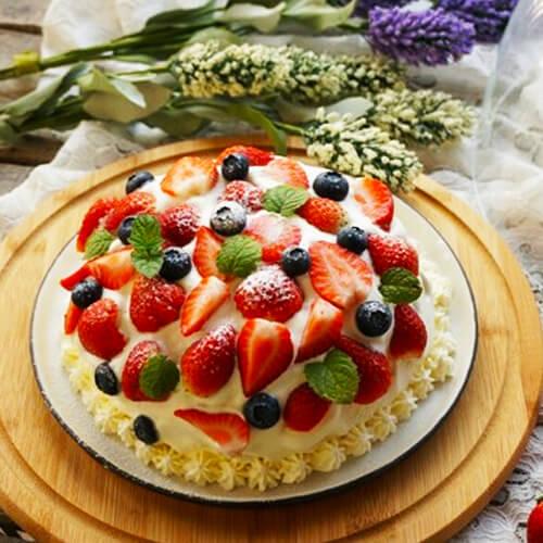 草莓巨蛋蛋糕