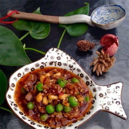 红油松子萝卜干