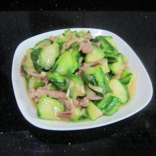 家常菜丝瓜炒肉