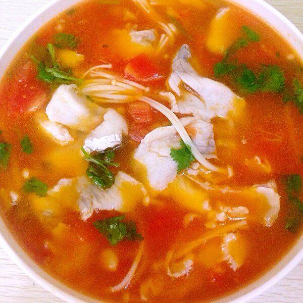 常吃不腻的番茄鱼火锅的做法
