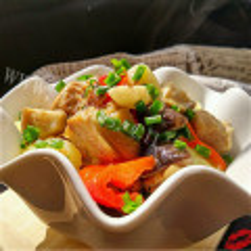 百果土豆炖母鸡