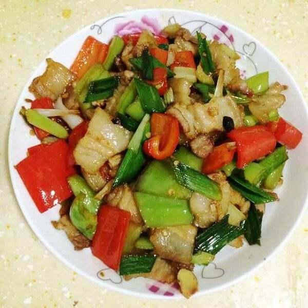 五花肉炒包心芥菜