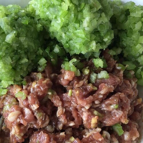 有特色的芹菜饺子馅的做法