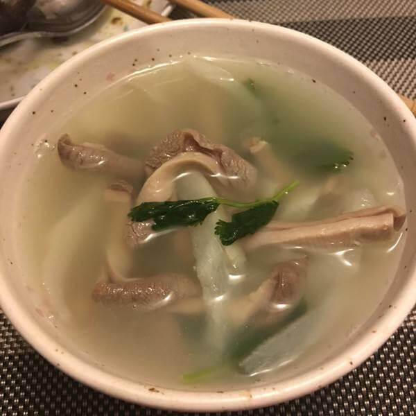 诱人的萝卜条汤