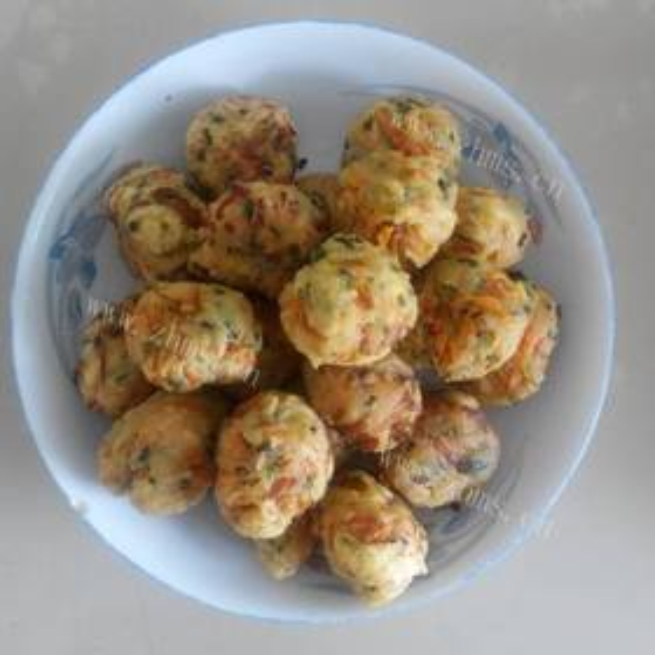 炸香菜藕丸