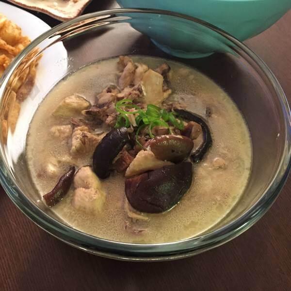 口感不错的香菇炖鸡汤的做法