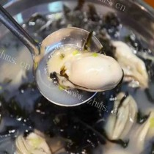 豆腐西红柿生蚝汤
