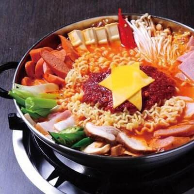 喷香的韩国部队锅