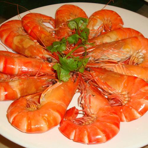 诱人的西芹炒斑节虾