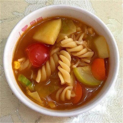 番茄金针菇汤面