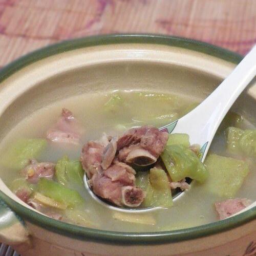 好吃的苦瓜排骨汤的做法