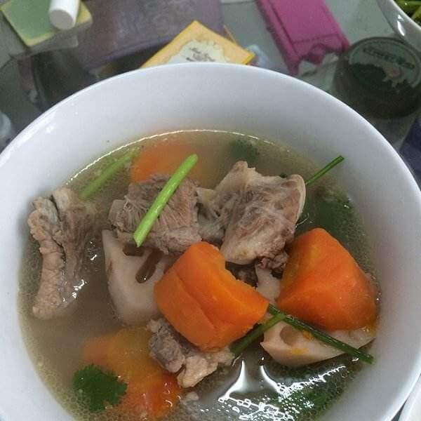 猪骨莲藕胡萝卜汤