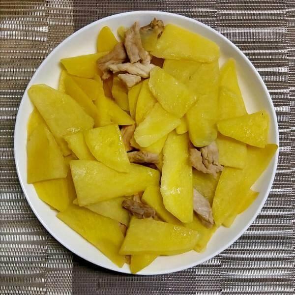 薯仔炒瘦肉(简单版)