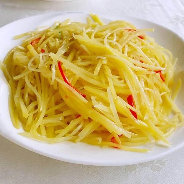 健康的毛芹菜炒土豆丝