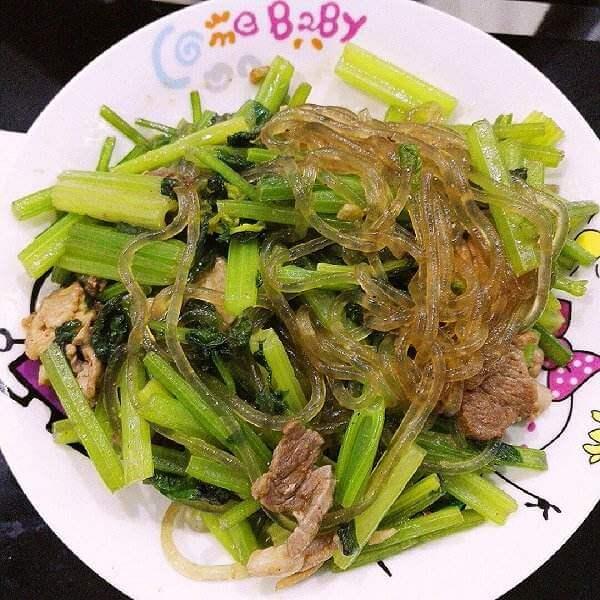 【家有大厨】芹菜炒肉丝粉