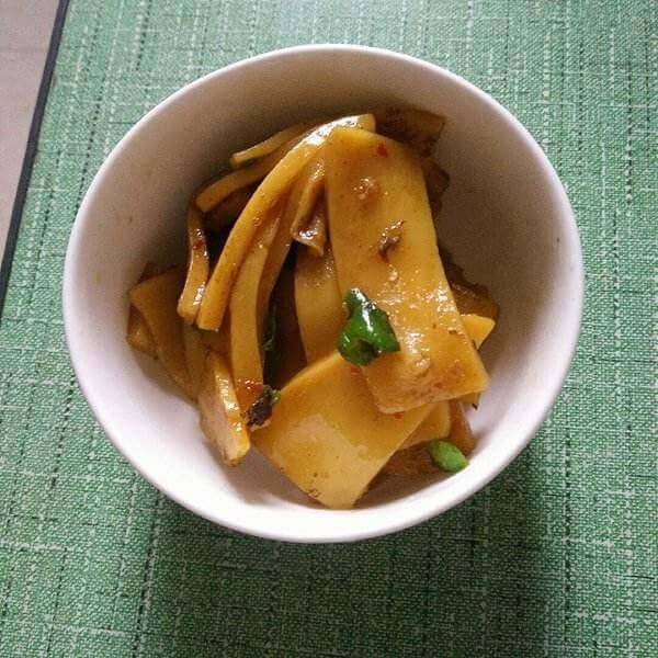 香肠炒黄元米果