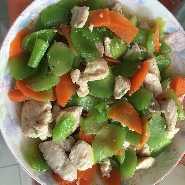 雪莲果炒鸡肉片