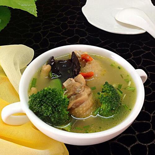 西兰花母鸡汤