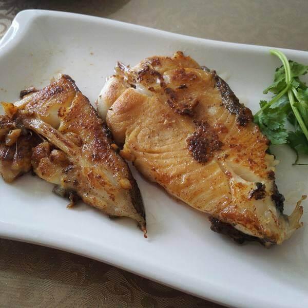 黄油香煎银鳕鱼