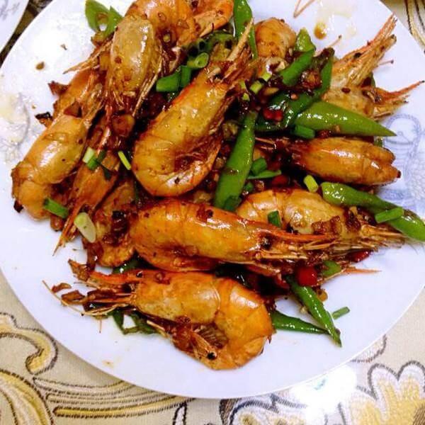 回味无穷的葱焖虾
